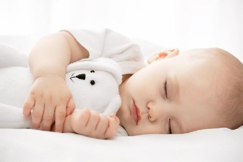 Giải đáp băn khoăn có nên cho trẻ sơ sinh nghe nhạc khi ngủ hay không