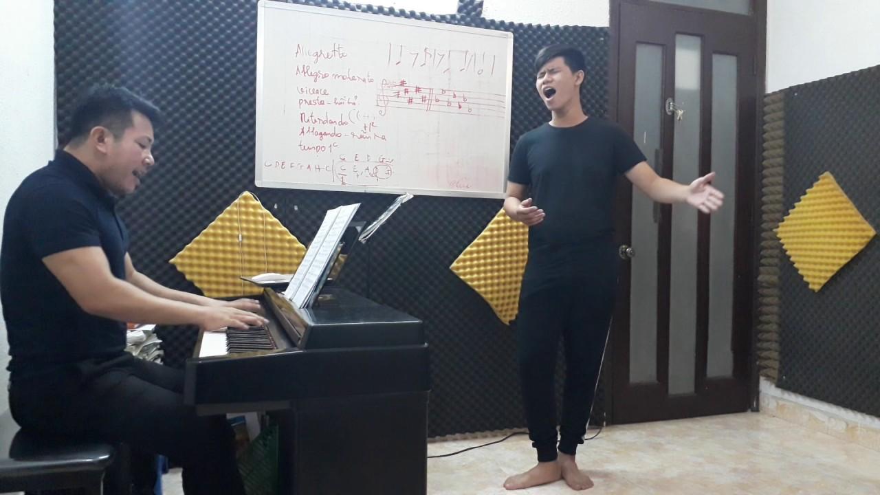 Học làm ca sĩ không chỉ đơn giản là biết hát