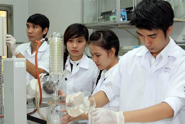 Dược sĩ Trung học là gì? Những điều cần biết về hệ học Dược sĩ Trung cấp