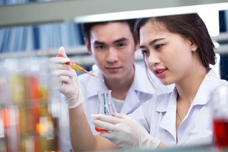 Theo học Cao đẳng Dược ở đâu tốt nhất ?